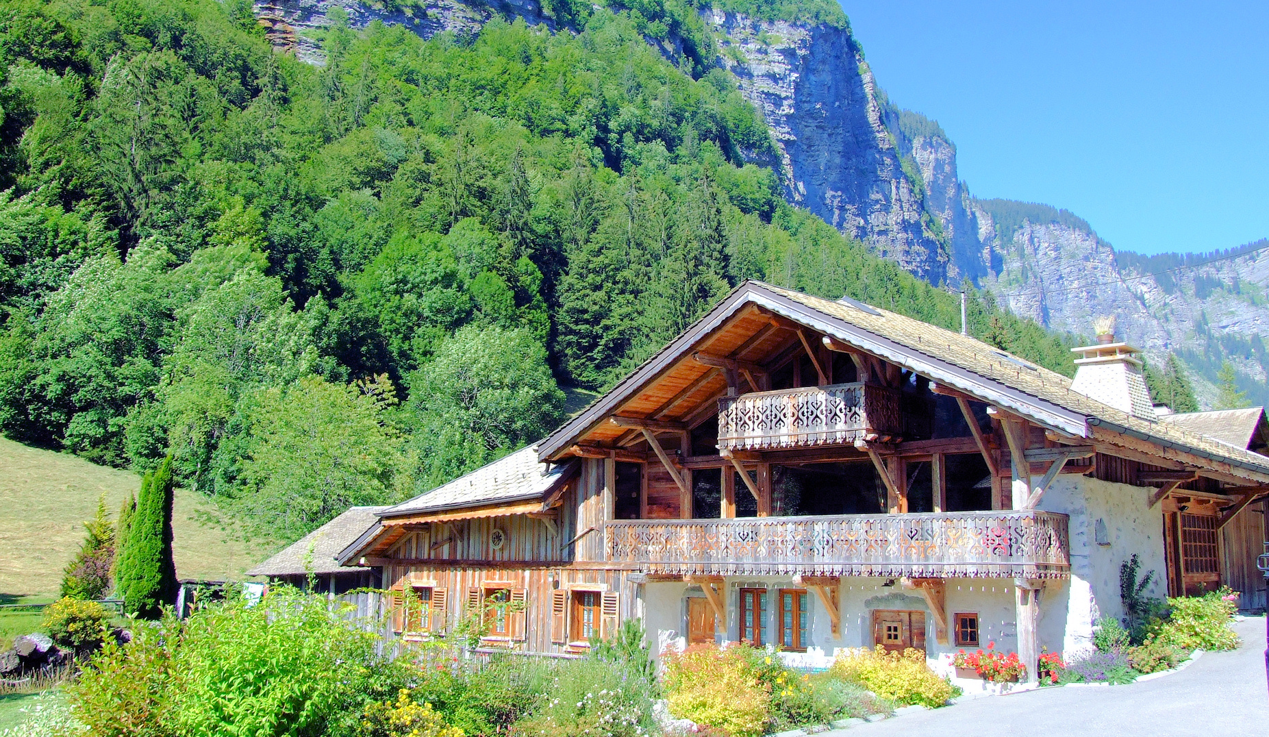 Chalet holidays in the summer in morzine for Great accommodation